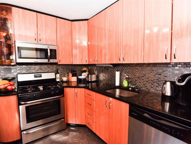 Only $1825,TWO BEDROOM FOR RENT,on 35 Brighton 1st Path,Brooklyn,NY,11235.