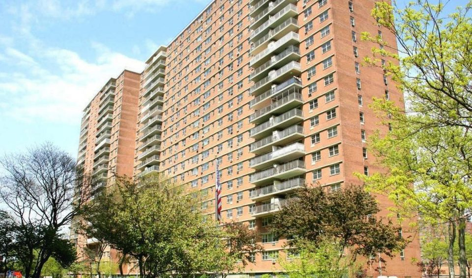 ONE BEDROOM FOR SALE,440 Neptune ave,APT 8D, Brooklyn, NY, 11224.