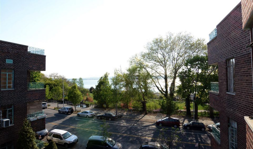 One Bedroom For Rent! 7005 Shore Rd,Apt 3A, Brooklyn,NY,11209.