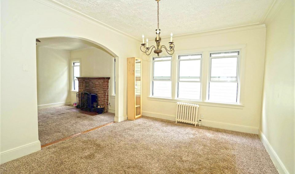 2 Bedroom with 4th rooms Apartement For RENT! On Howard beach,NY,11414.