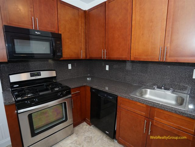 Newly renovated 3BR apartment FOR RENT