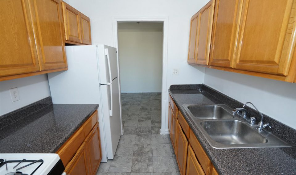 ONE BEDROOM FOR RENT ON 1420 Ocean Pkwy,Brooklyn,NY,11230.